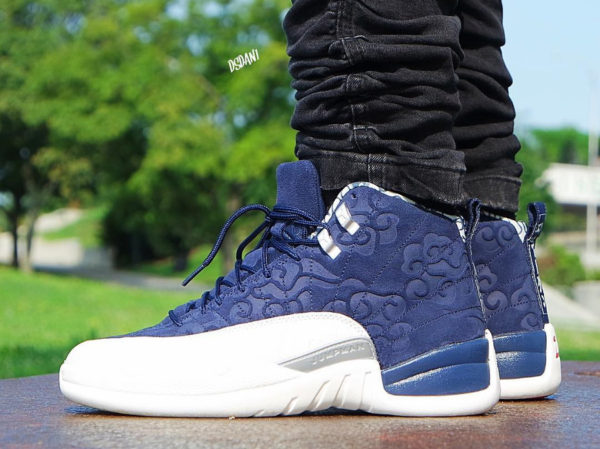 chaussure Air Jordan 12 Retro International Flight 'Japan' College Navy on feet ( 130690-445)