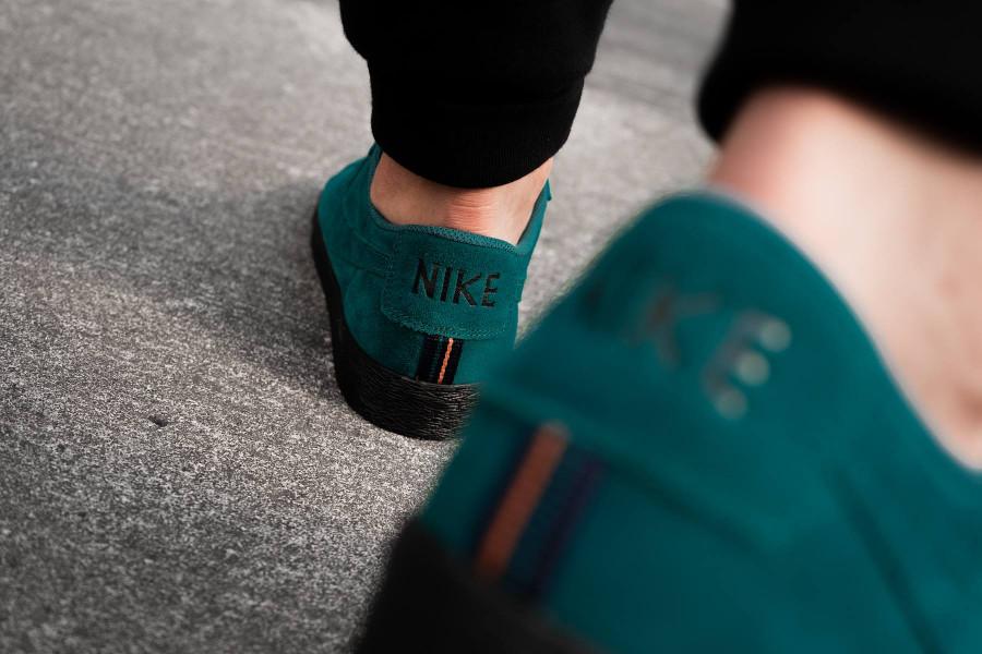 guide-achats-nike-blazer-basse-en-daim-bleu-turquoise-semelle-noire (1)