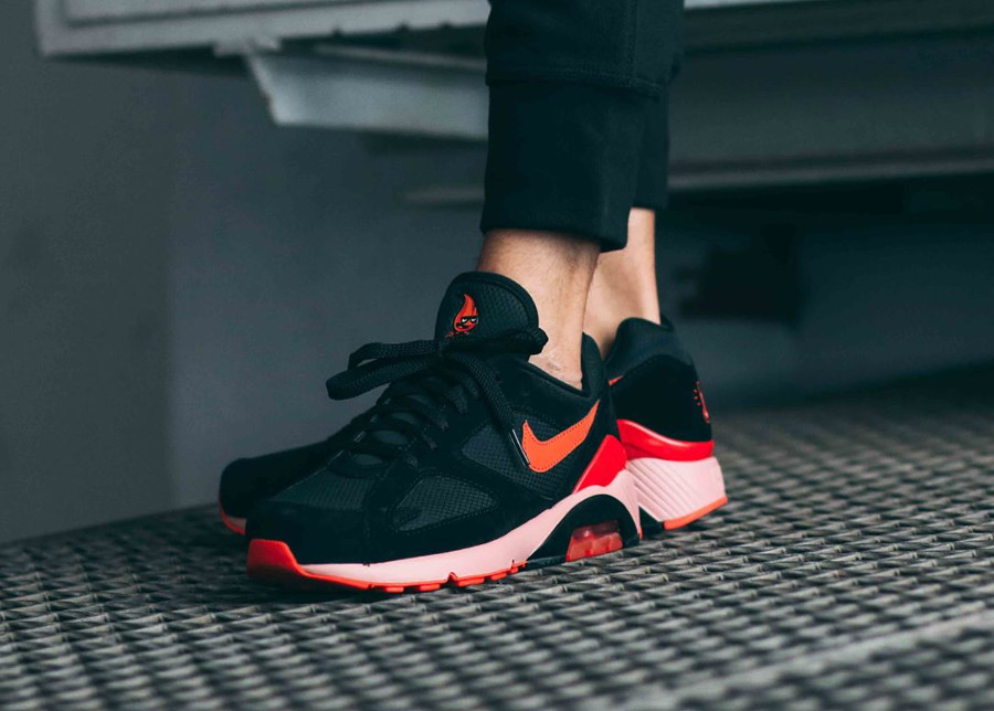 nike-air-max-180-noire-rose-et-orange-AV3734-001 (1)