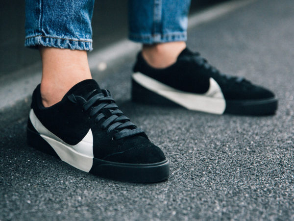 chaussure Nike Blazer City Low LX 'Big Swoosh' Black White on feet
