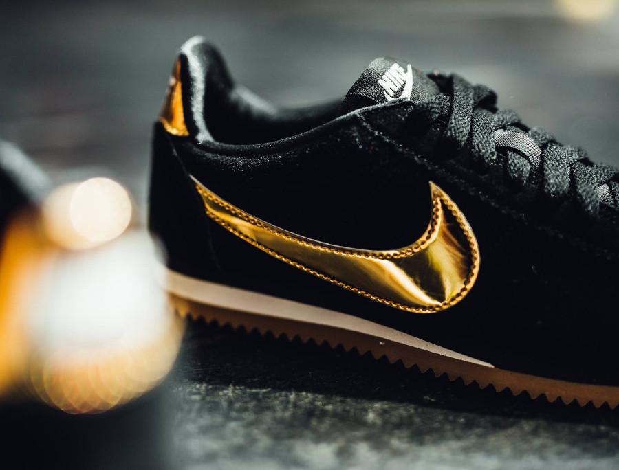 Que vaut la Nike Cortez SE Suede femme 'Black Gold Gum' ?