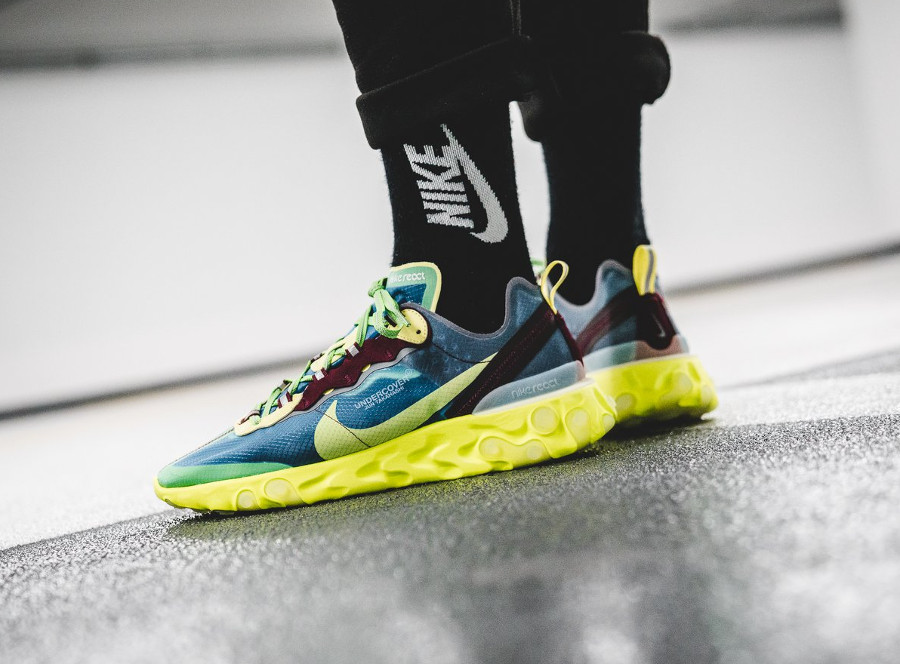nike-react-element-87-bleu-bordeaux-et-fluo-on-feet (1)