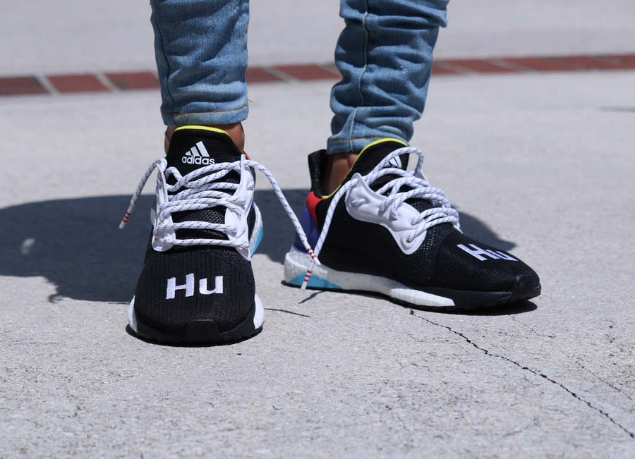 pw-adidas-solar-hu-glide-st-noire-2