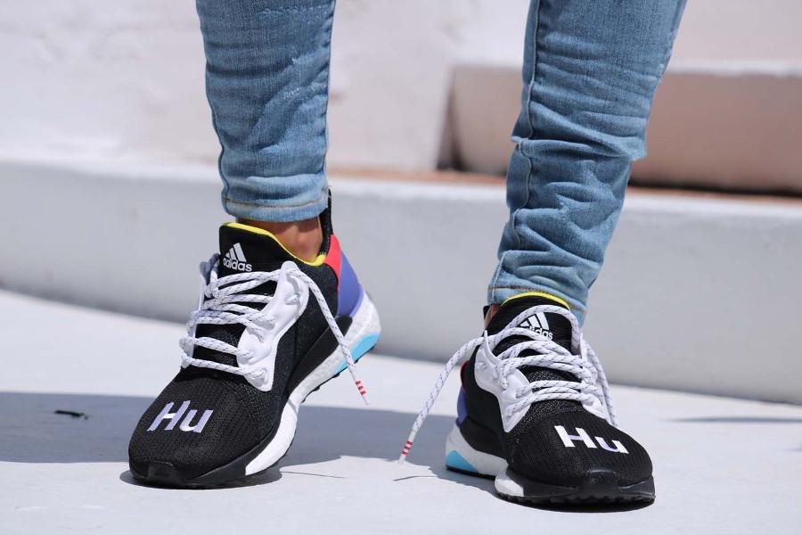 pw-adidas-solar-hu-glide-st-noire-3
