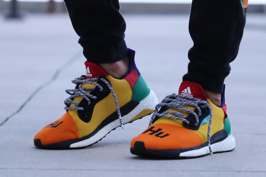 pw-adidas-solar-hu-glide-st-orange-jaune-et-verte (1)