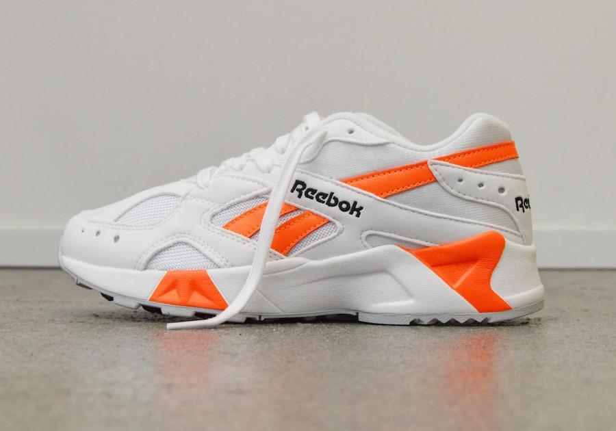 reebok-aztrek-blanche-noire-et-orange-CN7472 (1)