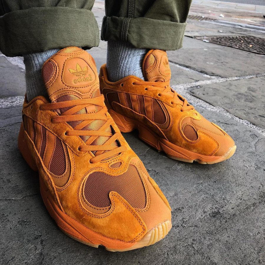 Adidas Falcon Yung 1 Ochre toute orange on feet (2)