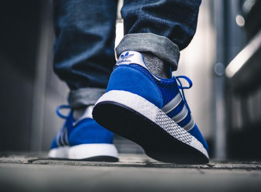 Adidas Marathon TR x Iniki I-5923 bleue argent métallique G26782 on feet (1)
