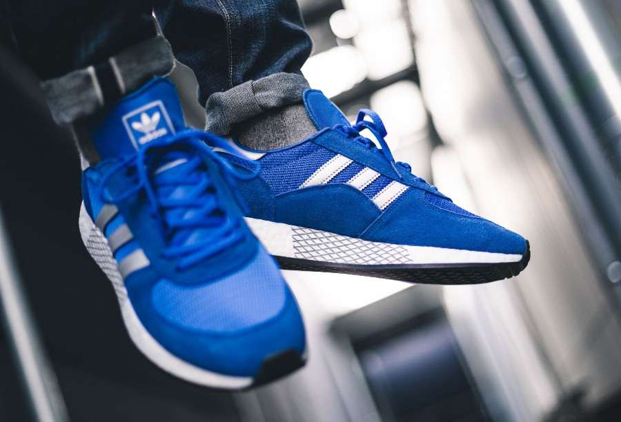 Adidas Marathon TR x Iniki I-5923 bleue argent métallique G26782 on feet (3)