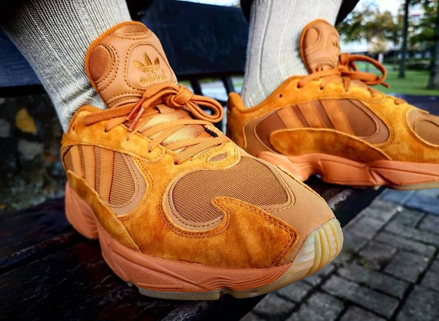 Adidas Originals Yung-1 toute orange on feet (exclusivité Size) (1)
