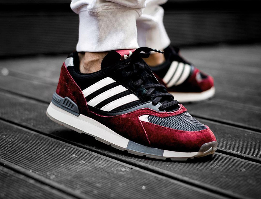 Adidas Quesence bordeaux et noire on feet (4)