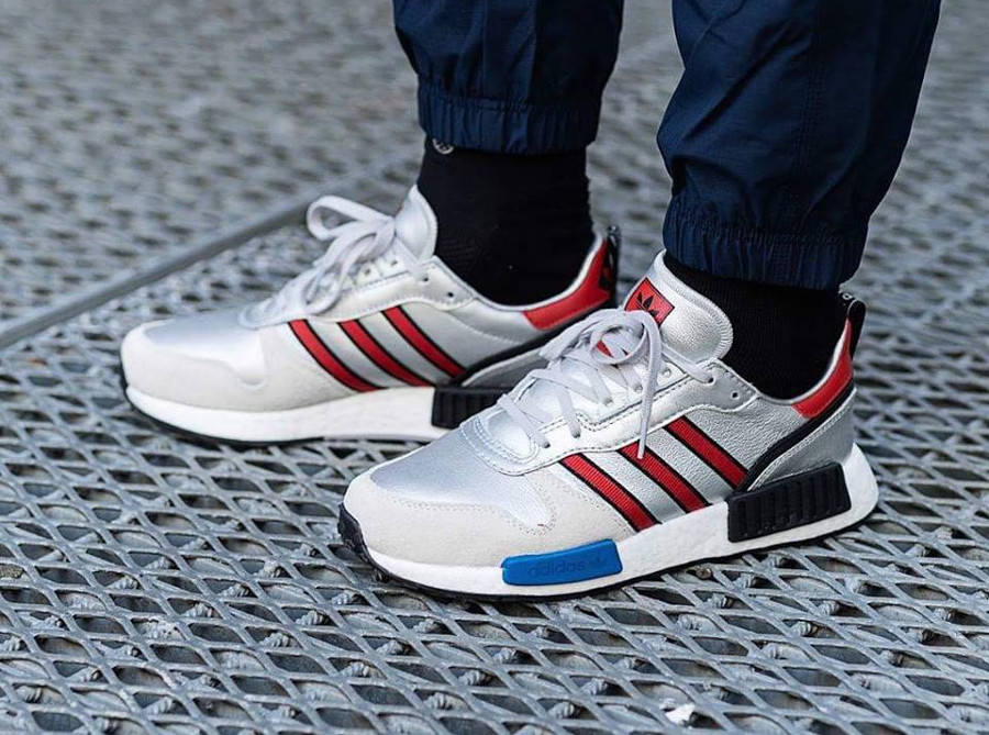 Adidas Rising Star x NMD R1 gris argent on feet G26777 (1)
