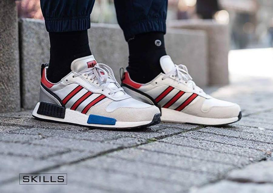 Adidas Rising Star x NMD R1 gris argent on feet G26777 (3)