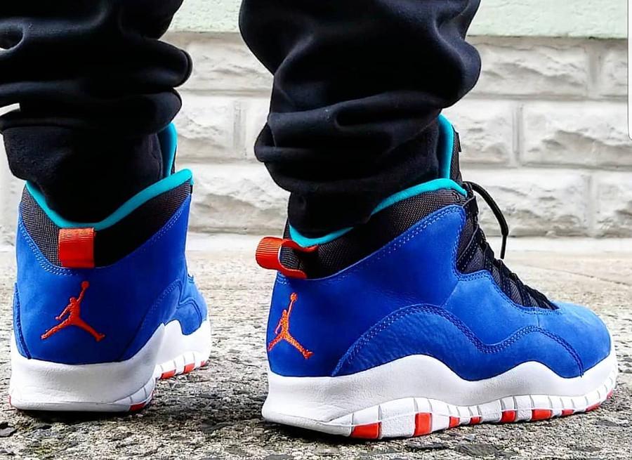 Air Jordan X Suede bleu et orange on feet (2)