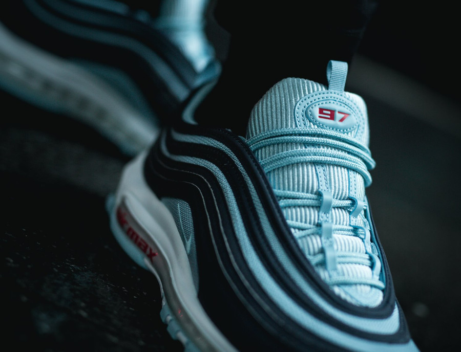 Air Max 97 PRM Ocean Bliss pour homme on feet (1)