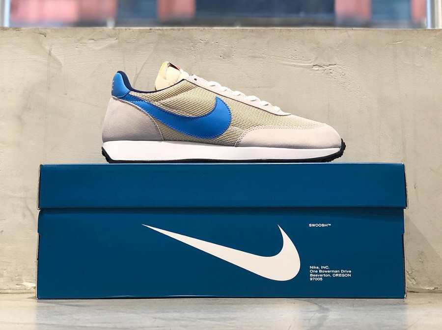 Boîte collector et chaussettes Nike Tailwind og (2)