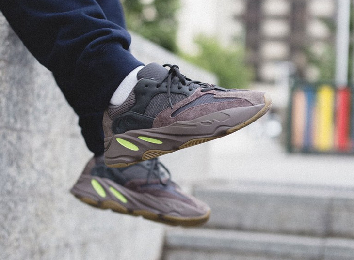Kanye West x Adidas Yeezy 700 Boost 'Mauve' on feet (4)