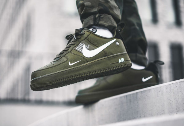 best service f7b61 21f60 Nike Air Force 1 07 LV8 Utility vert militaire Olive Canvas AJ7747-300 (2