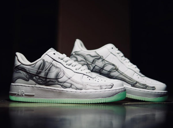 264d20fcb7 Où trouver la Nike Air Force 1 Low '07 QS Skeleton Halloween 2018 ?