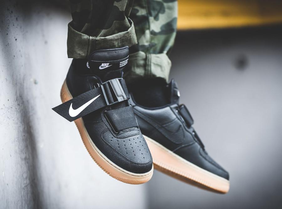 Nike Air Force 1 Utility noire avec semelle en gum (3)