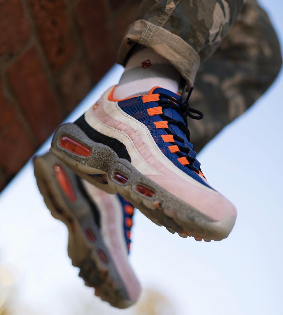 Nike Air Max 95 Champagne Sport Royal Cream Safety Orange (2)