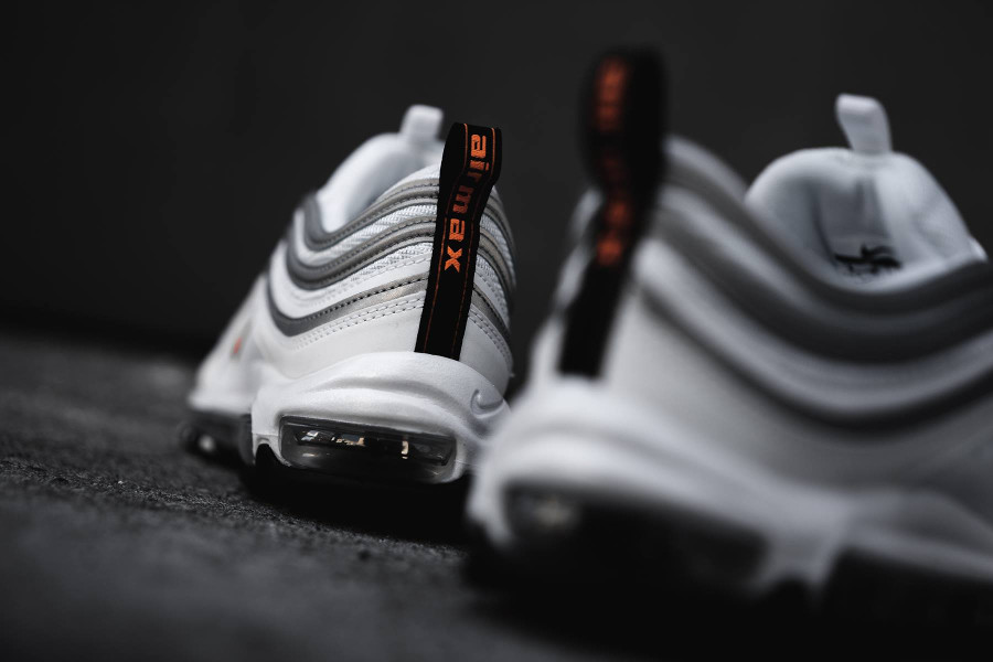 Nike Air Max 97 blanche orange et gris metallique (1)