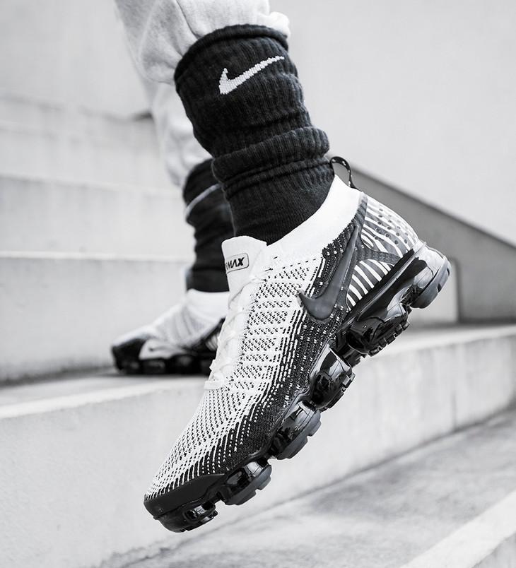 Nike Air Vapormax FK 2 zèbre blanche et noire on feet (2)