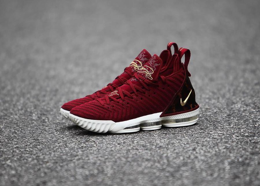 Nike Lebron 16 battleknit bordeaux avec print léopard (2)