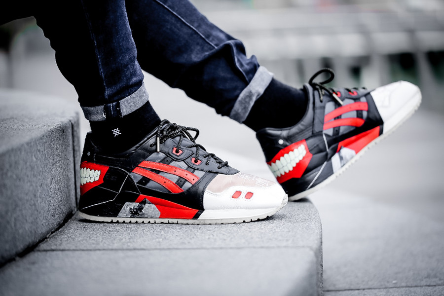 Toyko Ghoul x Asics Tiger Gel Lyte III on feet (2)