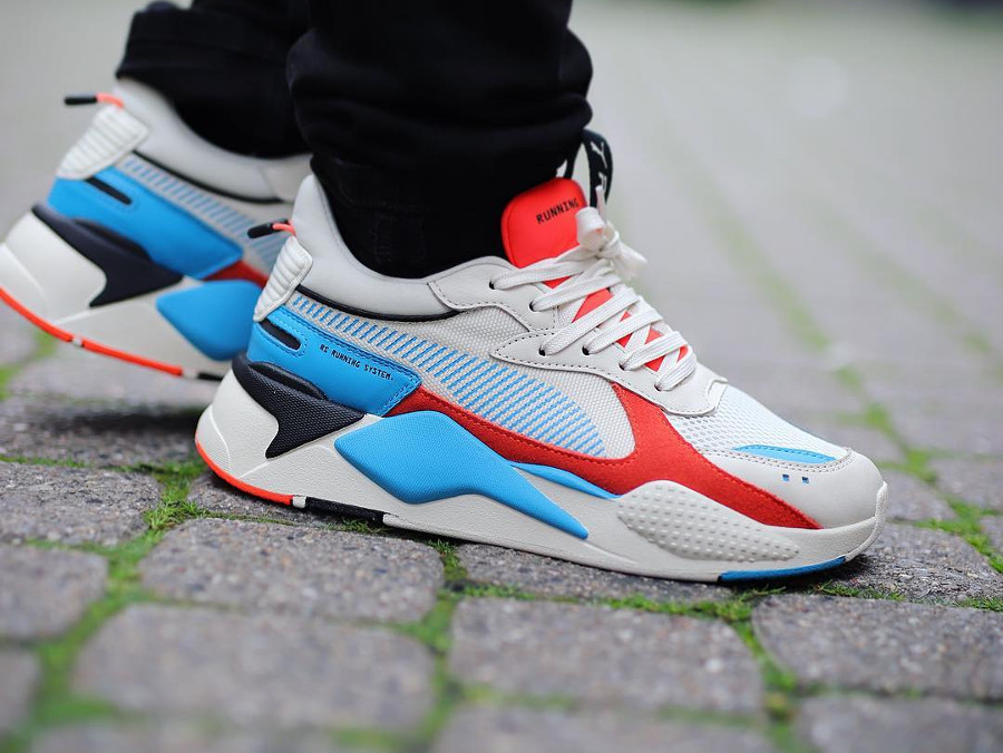 Ugly shoe Puma RS X beige rouge et bleue 369579_01 (2)