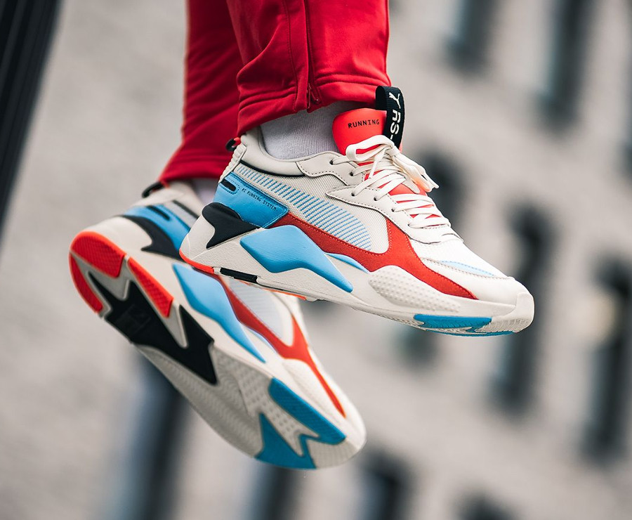 Ugly shoe Puma RS X beige rouge et bleue 369579_01 (5)