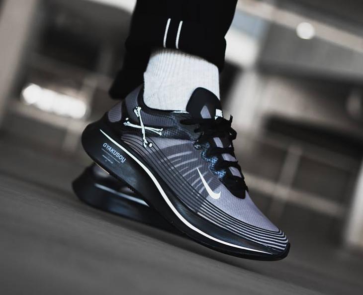 acheter chaussure Nike Zoom Fly Gyakusou noire on feet AR4349-001