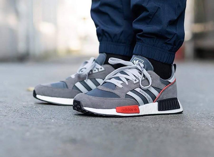 adidas boston super og grise x adidas nmd r1 on feet G26776 (4)