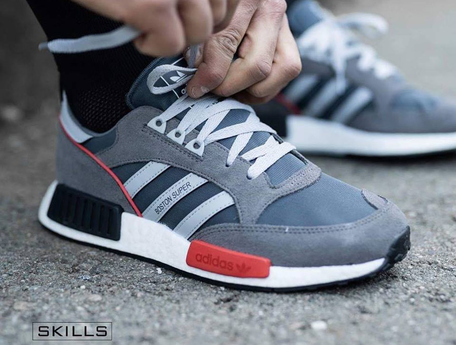 new product bf150 b4806 Que vaut la Adidas Boston SuperxR1 Boost Never Made Pack ?