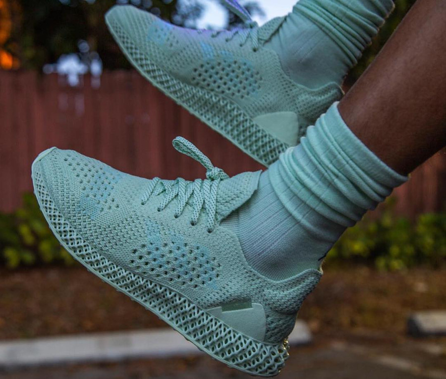adidas-future-craft-4d-verte-daniel-arsham- on-feet-Bd7400-1 (0)