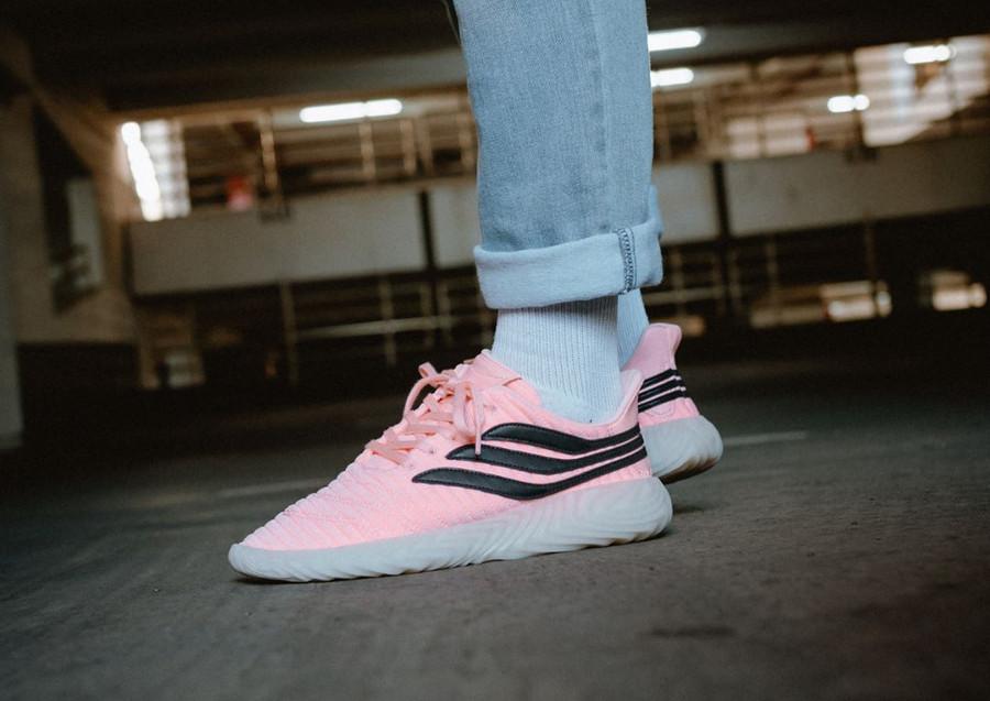 adidas-sobakov-rose-et-noire-on-feet-BB7619
