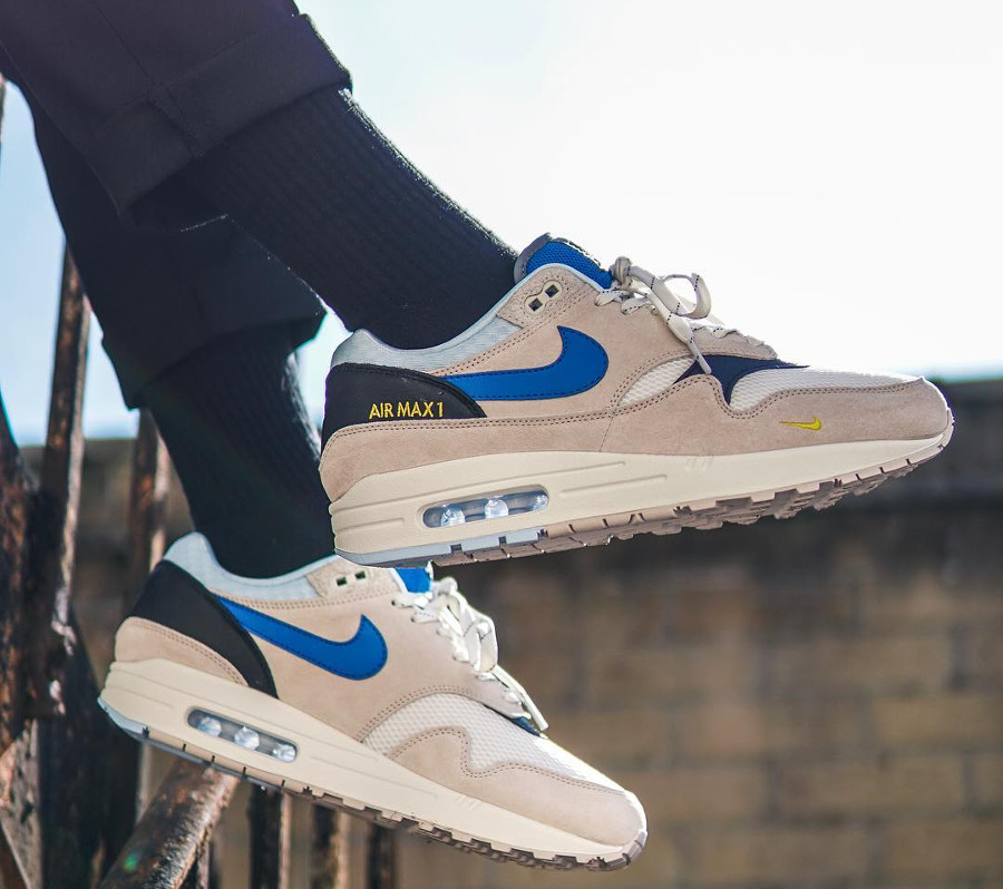 air-max-87-size-exclusive-beige-et-bleue-on-feet-AV5188-001 (3)