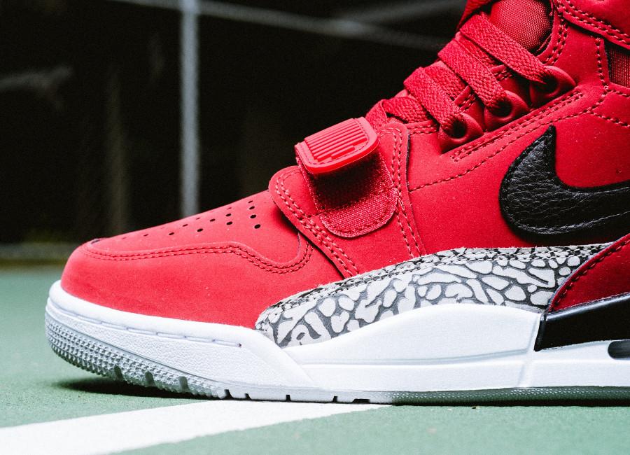 basket-nike-air-jordan-legacy-312-toute-rouge-AV3922-601 (2)