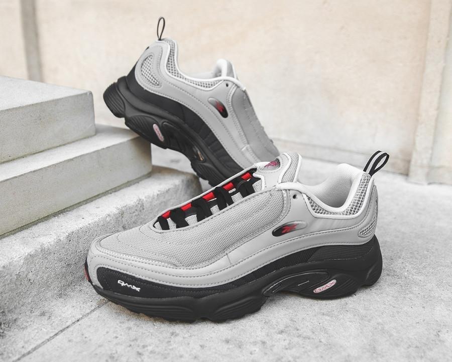 chaussure-reebok-classics-daytona-dmx-grise-noire-et-rouge-CN3808 (2)