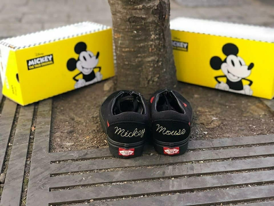 vans-old-skool-noire-et-rouge-mickey-mouse-club (1)