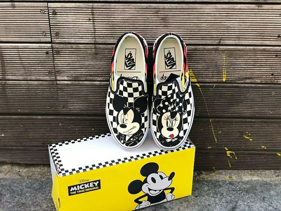 vans-slip-on-flaming-checkerboard-mickey-minnie (2)