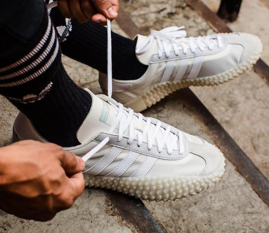 Adidas Kamanda x Country Cloud White Grey One on feet (1)