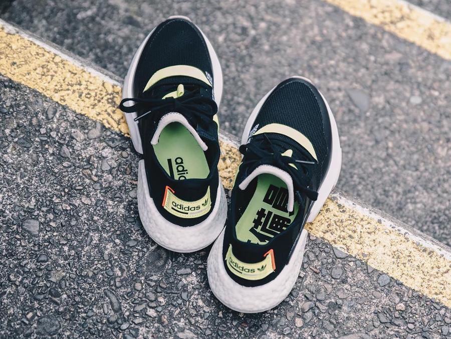 Adidas Point of Deflection noire et fluo avec kanji (1)