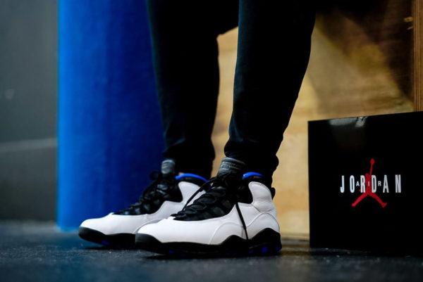 Air Jordan 10 Retro Orlando blanche noire et bleu foncé (1)
