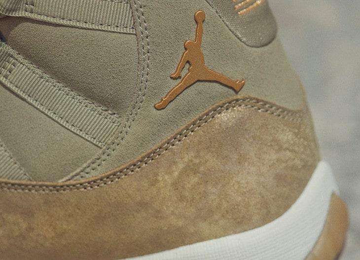 Air Jordan XI luxe en daim vert olive on feet (6)