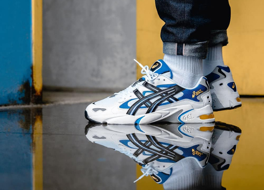Asics-Gel-Kayano-5-OG-White-Black-Blue-Yellow-2018-on-feet