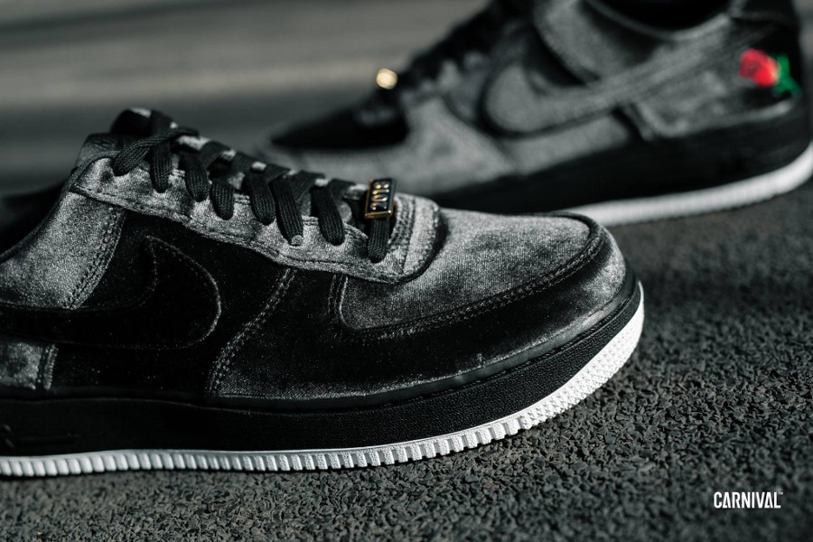 Nike Air Force 1 07 Quickstrike en velour noir (2)