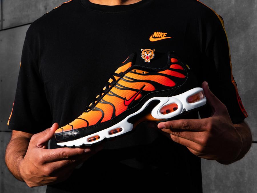 Nike Air Max Tuned 1 orange jaune et noire (1)