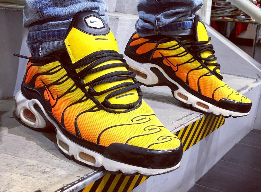 Nike Air Max Tuned 1 orange jaune et noire (2)