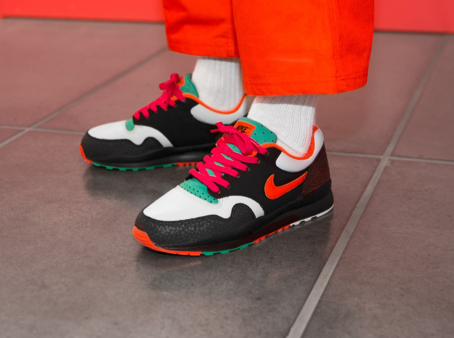 Nike Air Safari Multicolor Black Team Orange Emerald Green (4)